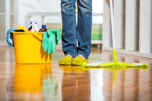 03-13-things-your-house-cleaner-wont-tell-you-equipment-1