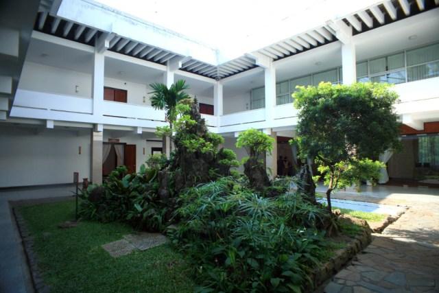 Sau năm 1975, các căn phòng ở khu gia đình Tổng thống được sử dụng làm các phòng chức năng của Hội trường Thống Nhất và mở cửa phục vụ du khách.