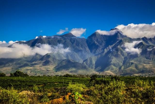 Việt Nam có rất nhiều ngọn núi đẹp, thỏa mãn niềm đam mê của du khách muốn khám phá thiên nhiên tươi đẹp ở dải đất hình chữ S.