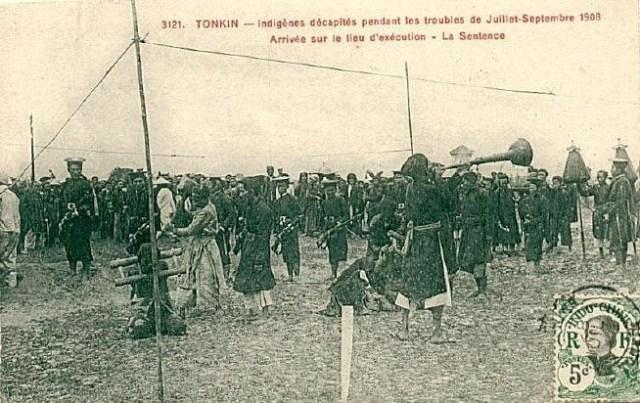 Quang cảnh một buổi xử chém ở Lào Cai năm 1903.