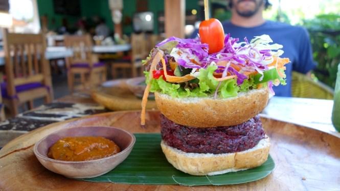 Voyage 1 mois en Indonesie - Sud Bali - Padang Padang Beach Om Burger
