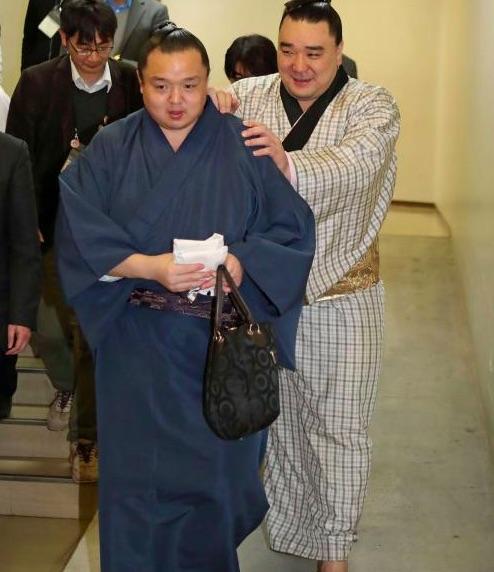 harumafuji-injured