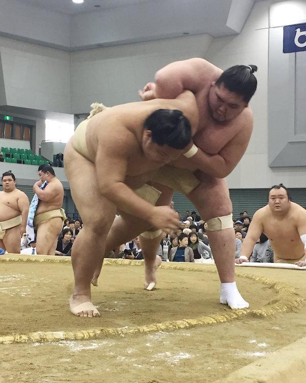 terunofuji-uwatenage