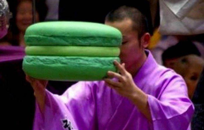 big-big-macaroon-sumo