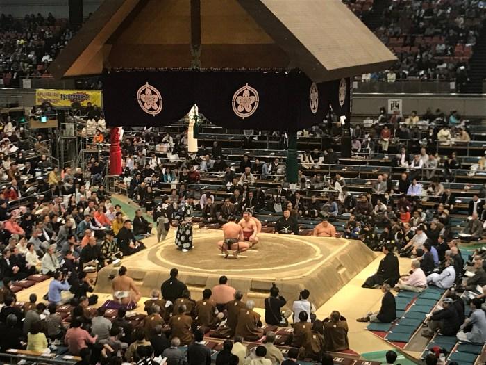 EDION Arena - Enho vs Wakatakakage - Haru 2018 Day 8 Juryo
