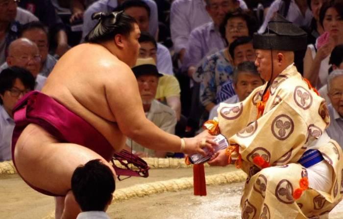 Mitakeumi Day 8