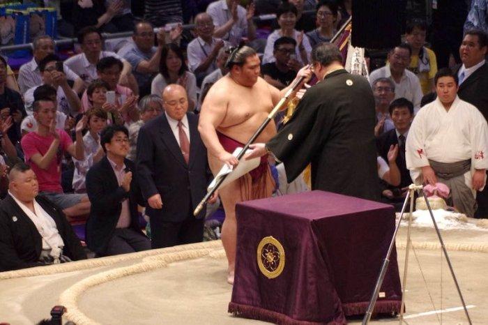 Mitakeumi Yusho Banner