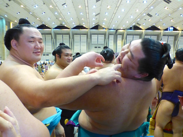 tamawashi-abuses-shodai
