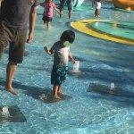 昭和記念公園の「水遊び広場」が解放されたのでブルブル震えるまで遊んできたぞ!