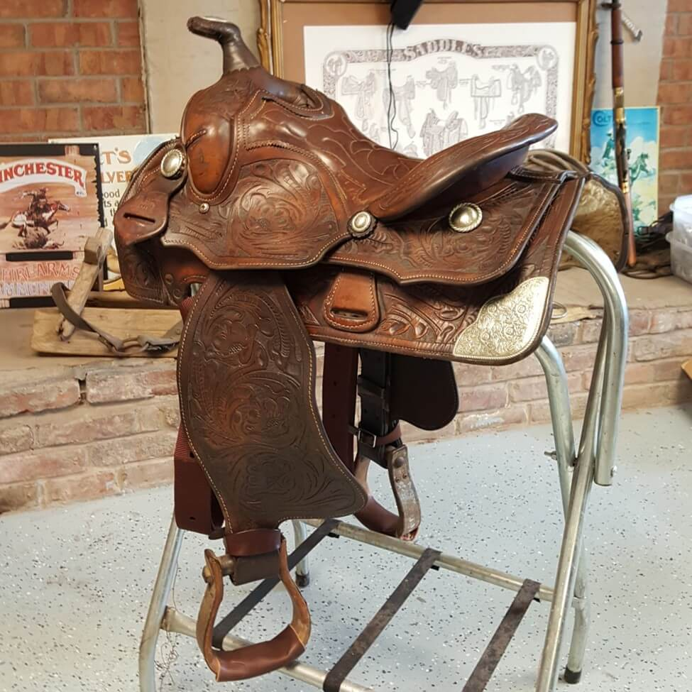 "WESTERN SADDLE TACK ANTIQUE PRAYING COWBOY SQUARE BERRY CONCHO 1/"" screw back"