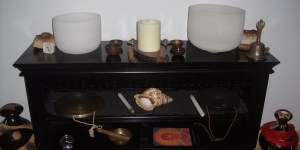 Singing bowls and conch shell