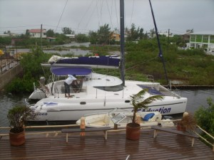 Seaduced Catamaran  - hiding out from Belize Weather