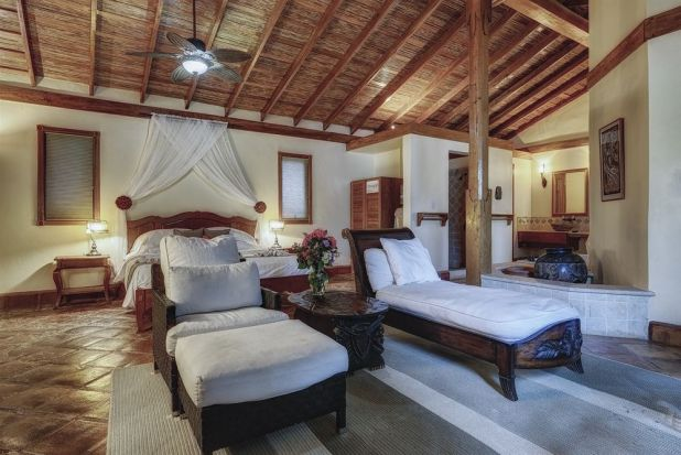 Hotels and Resorts in Belize