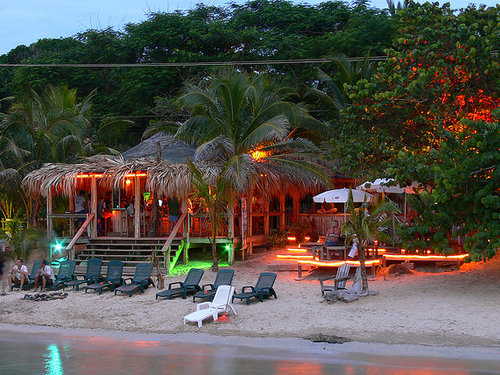 roatan beach bar