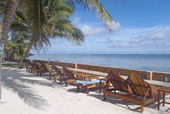 Ambergris Caye Beach Bars