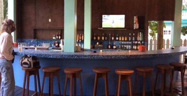 Ambergris Caye Bars