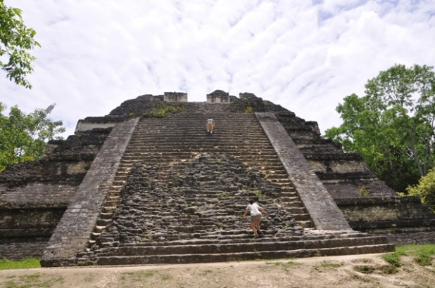 Traveling from Belize to Tikal without a tour