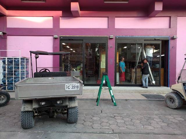 Belize Shopping