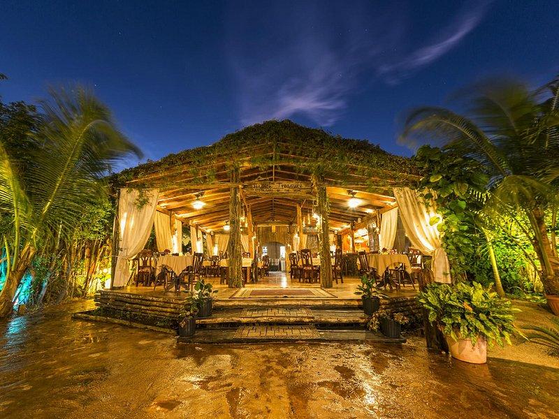 hidden treasure restaurant at night