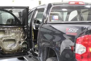 Toyota Tundra CrewMax 2014 TSS Offroad (1)