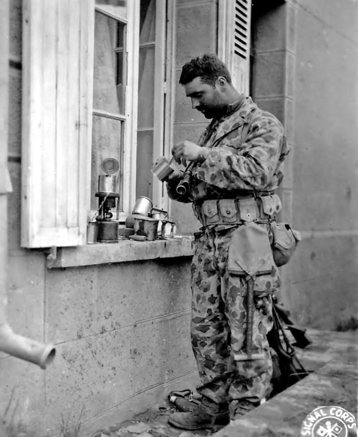 "World War II era ""frogskin"" camouflage in use by the USMC in World War II (Public Domain)"