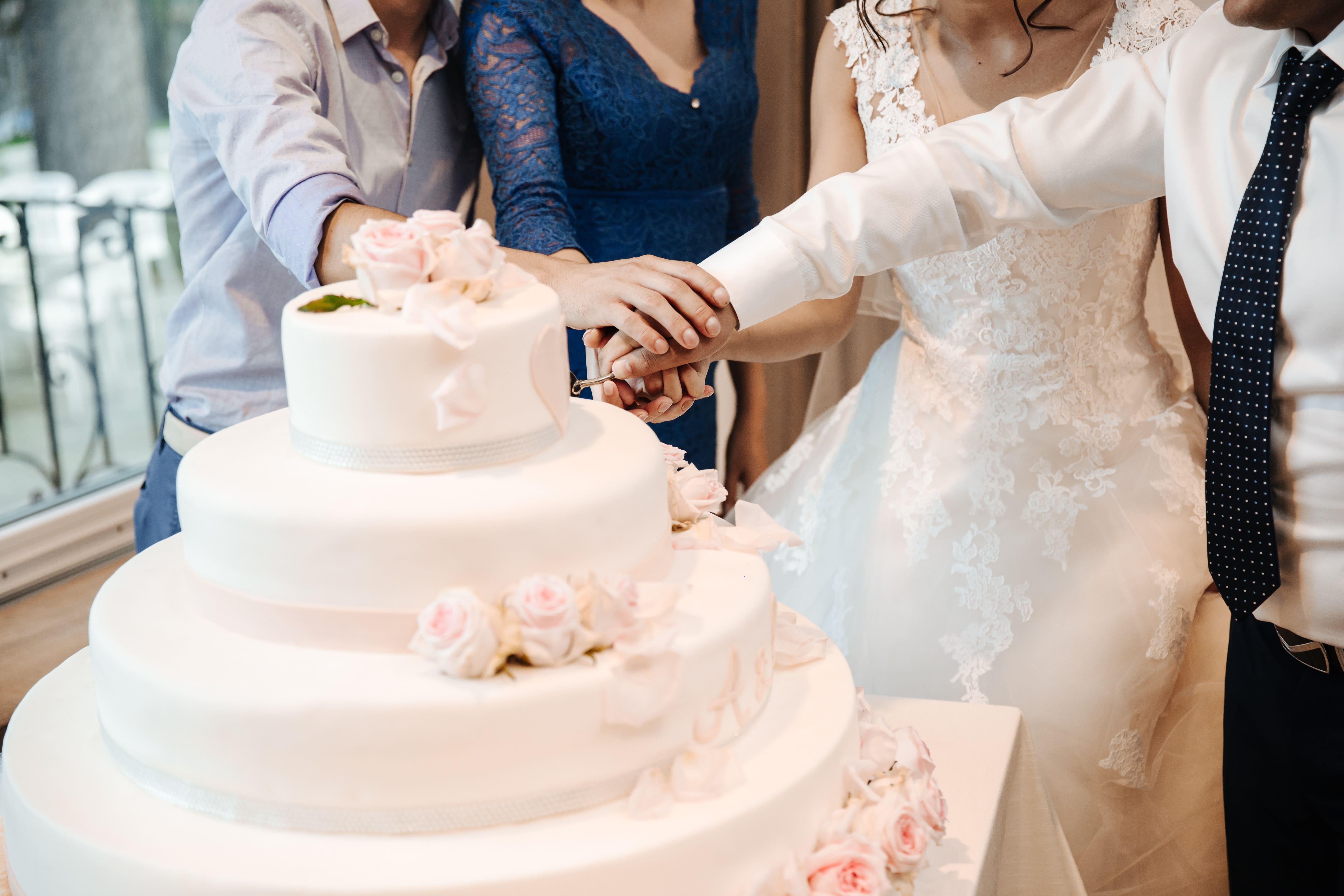 Hochzeitstorten In Herzform Hochzeitstorte Herzform Torte