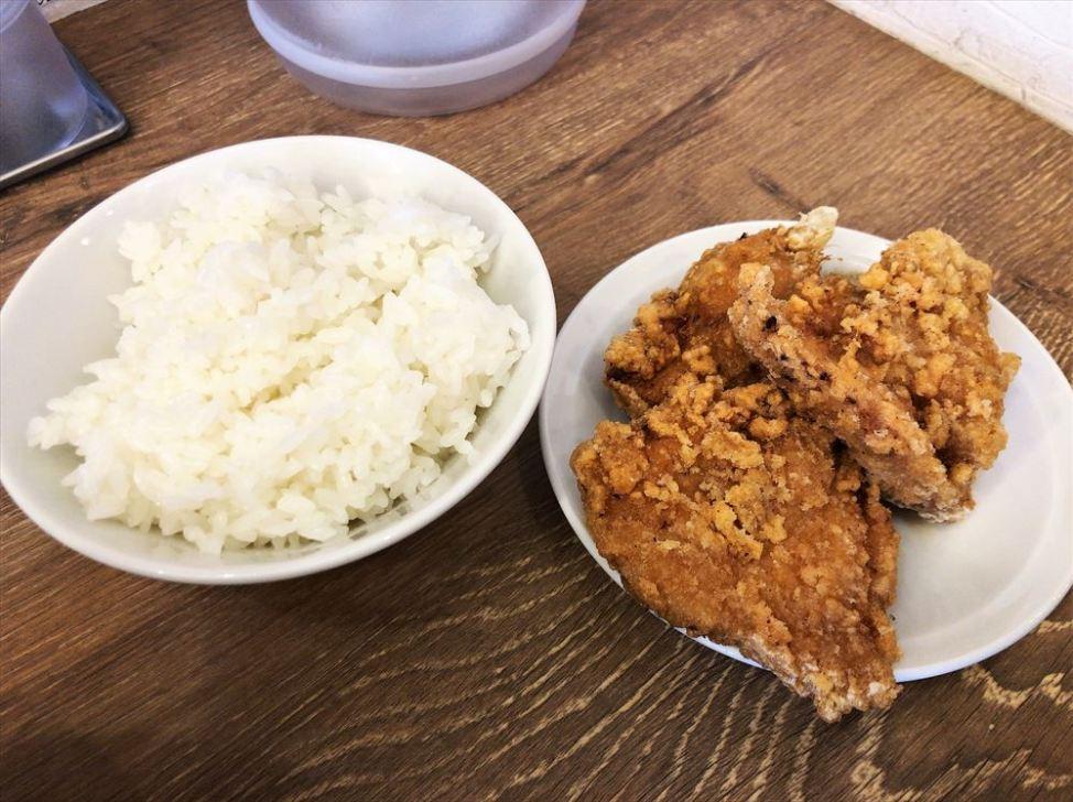 ラーメン食堂&ラーメンカフェ カドワラ「からあげ・ハーフ」