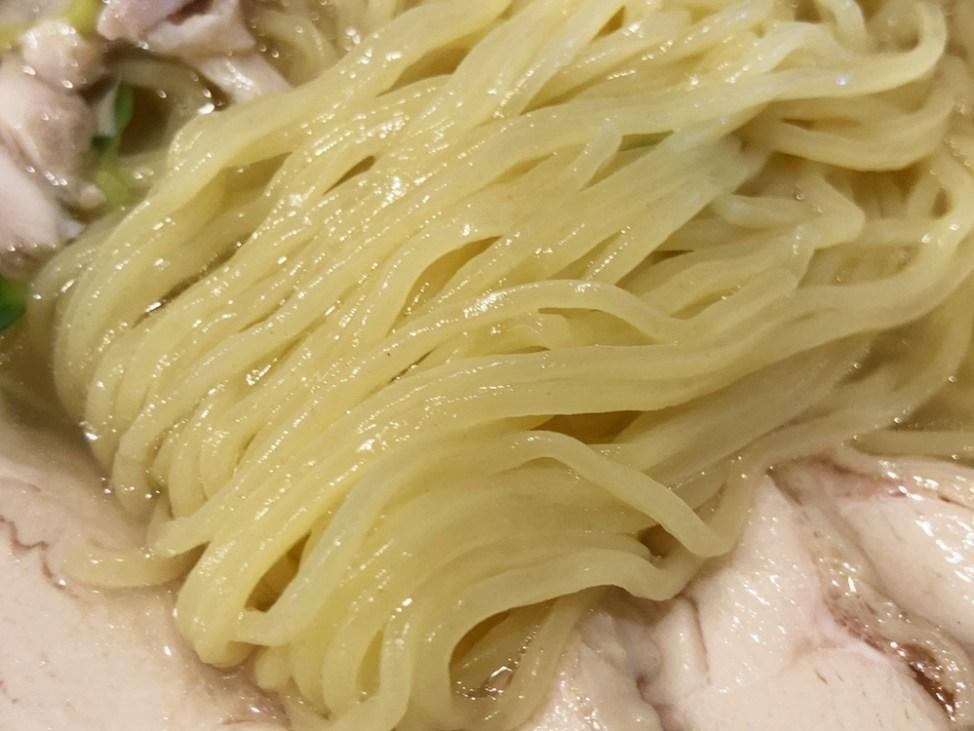 へのかっぱ「鶏塩らーめん」麺