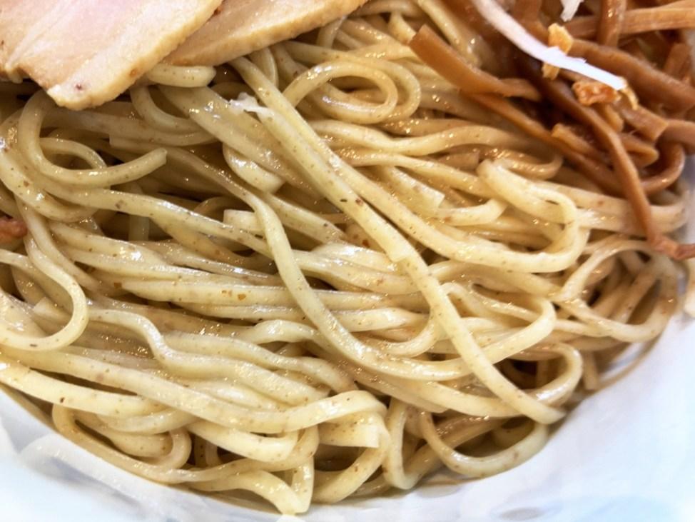 らーめん 樽「塩バターつけ麺」麺