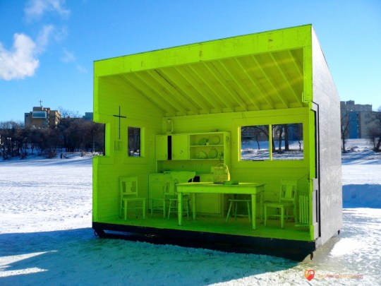 Green Farmhouse hut Wide