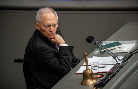 Wants to talk about virtual plenary sessions: Wolfgang Schäuble