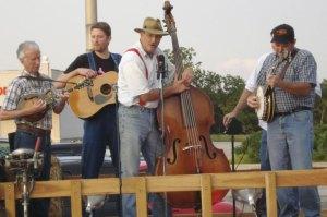 Dean Webb (on mandolin) and Missouri Boatride