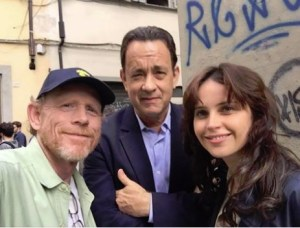 """TWITTER TRIO--Ron tweeted this photo with """"Inferno"""" stars Tom Hanks and Felicity Jones on location in Florence, Italy, in May."""