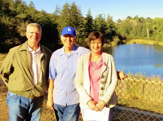 """AT THE FISHIN' HOLE--Neal and Pat Coleman (left and right) of """"Remembering Mayberry"""" chapter (Chillicothe, Ohio) enjoy a visit to Franklin Reservoir in L.A. with TAGS alum LeRoy McNees earlier this month. Photo by Jan McNees."""