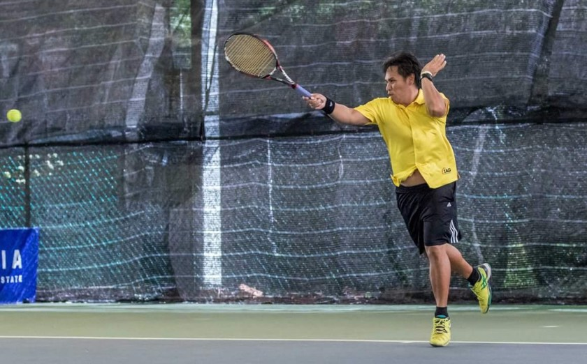 TAG Tennis Coach Bo Alburo uses a strong eastern grip Forehand