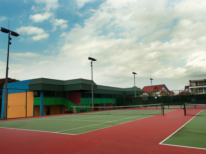 ActiveSG Burghley Tennis Centre - Public Tennis Courts in Singapore for your tennis game or your private tennis lessons with TAG International Tennis Academy