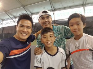 Coach XT and Coach Mike with top Singapore Juniors. Bill Chan and Matthias Wong