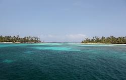 Western islands of West Holandes Cays, San Blas, Panama