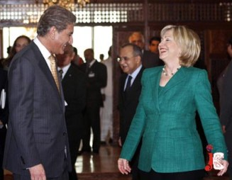 Pic28-13 PAKISTAN: ISLAMABAD: Oct28 – Pakistan's Foreign Minister Shah Mahmood Qureshi and US Secretary of State Hillary Clinton share a light moment prior to a meeting at Foreign Office. Foreign minister said US wants to be in touch with Pakistani people instead of individuals. US and Pakistan relationship will be strengthened due to Clinton's visit, he added. ONLINE PHOTO by Waseem Khan