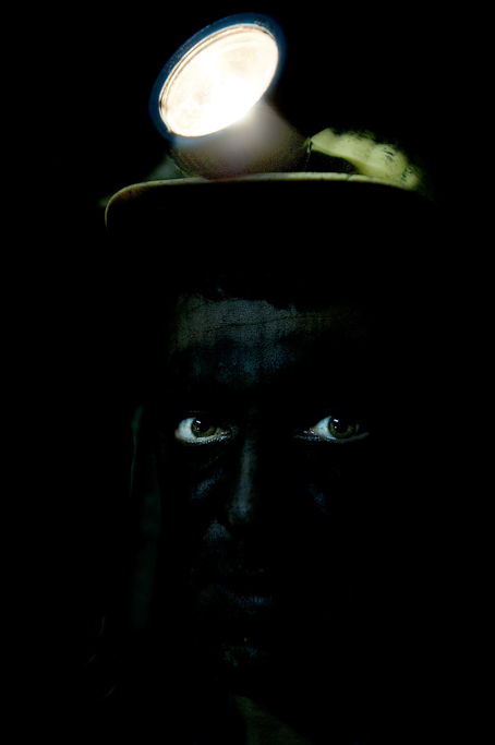 Tahir Özgür Madenciler-01