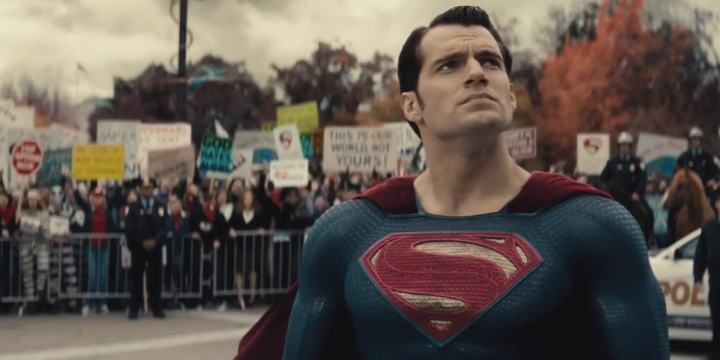 20 Things We Learned From The 'Batman v Superman' Comic-Con Trailer