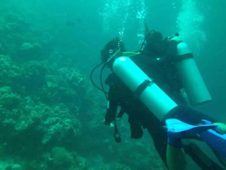 セブ島にあるオランゴ島では体験ダイビングができる