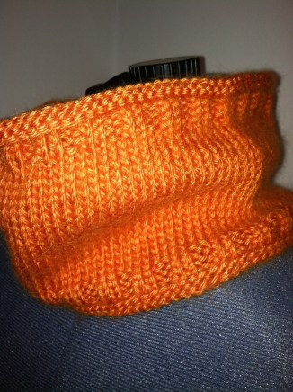 Cowl, closeup view of stitches.
