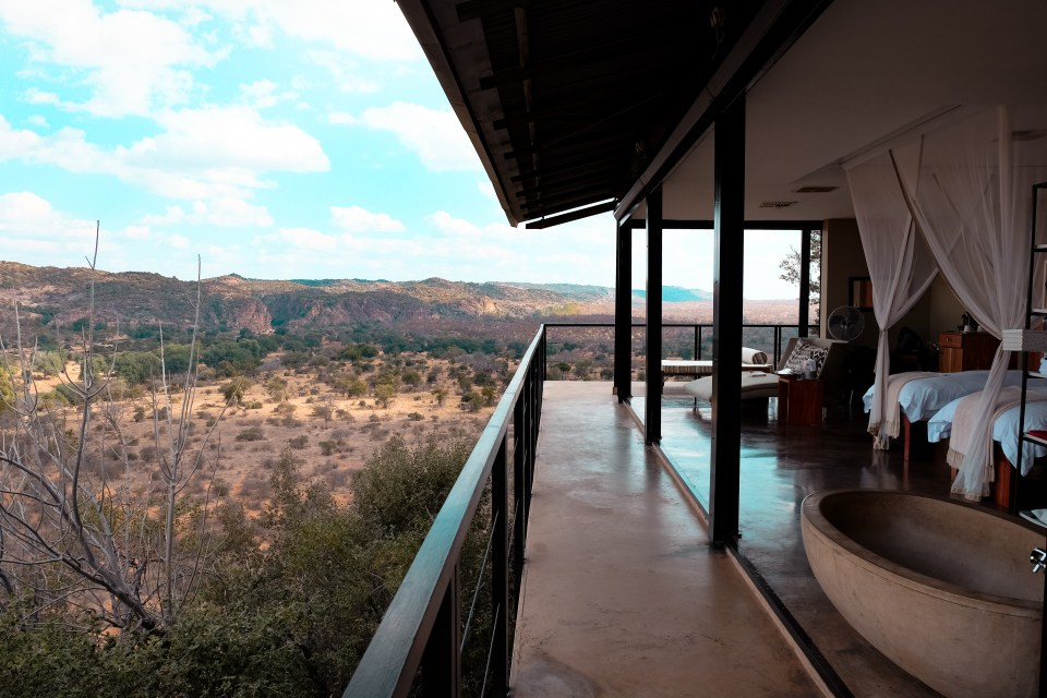 the outpost lodge kruger national park space 12