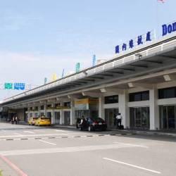 我在小港機場竟然可以坐到國際服務的車