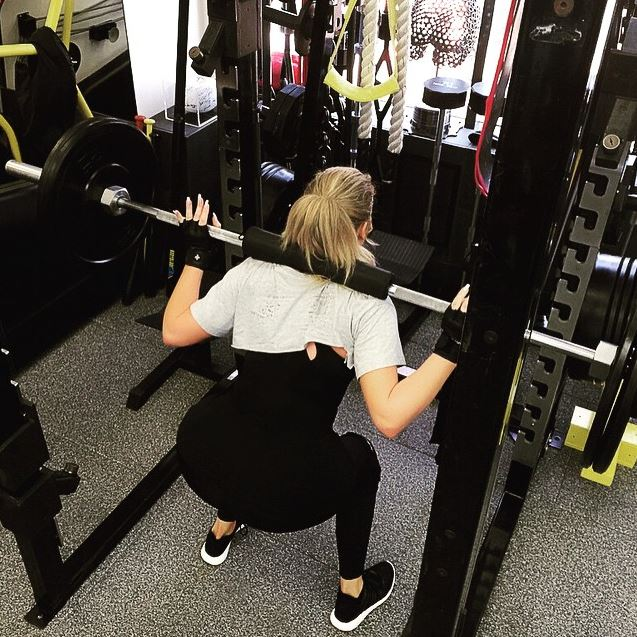 Khloe Kardashians Fitness Closet O Taislany Gomes