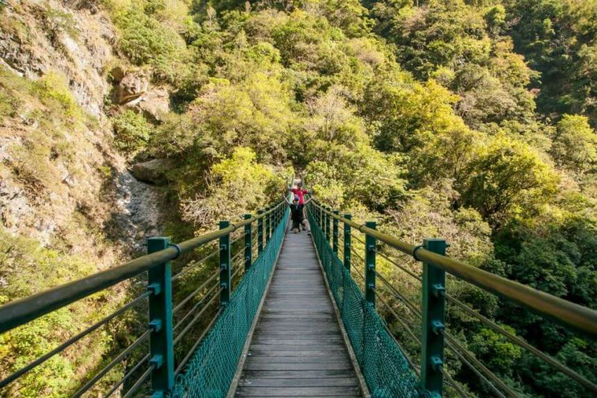 Suspension Bridge leading to the trailhead