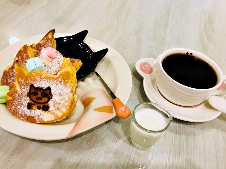 taiwan-scene-cat-cafe-in-taiwan-Camulet.jpg