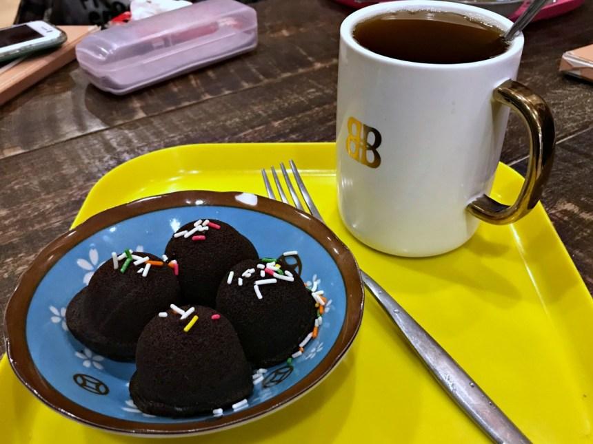 taiwan-scene-cat-cafe-in-taiwan-Cat-Art-Home01.jpg