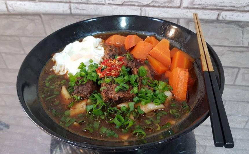 taiwan-scene-taipei-food-beef-noodle-soup牛逼牛腩湯